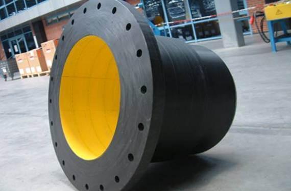Krah flanges for large diameter plastic pipes